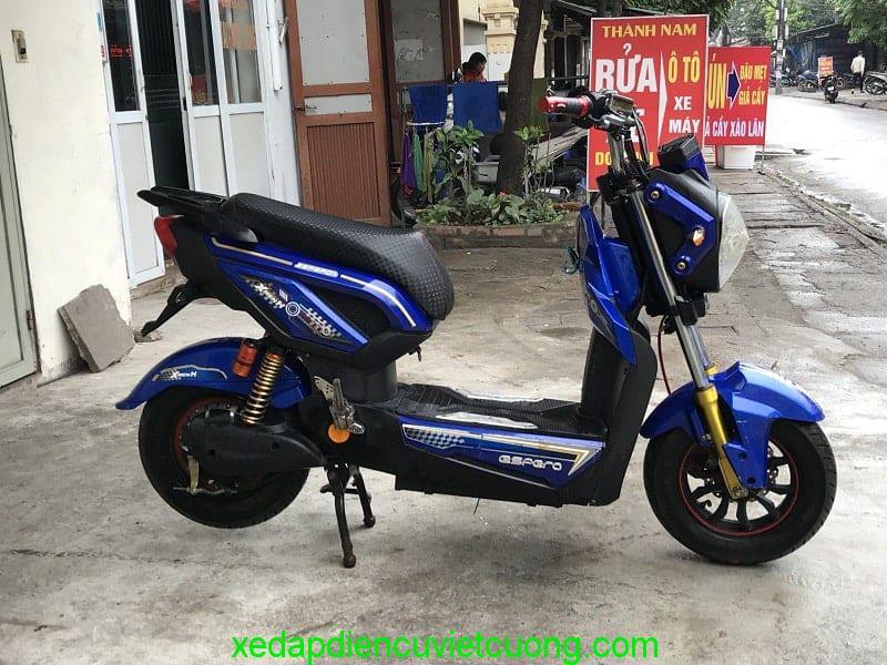 xe máy điện zoomer màu xanh